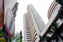 Best of 2015: Around 21 Companies raise Rs 13,600 crore in IPO market; highest in 5 years