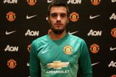 Manchester United complete signing of Argentine goalkeeper Sergio Romero