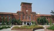 दिल्ली यूनिवर्सिटी ने जारी किया फरमान, 'पूरे कपड़े पहनकर काॅमन रूम में आएं स्टूडेंट'