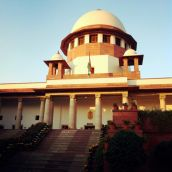 Supreme Court issues notices to Gujarat HC judges over plot allotment issue