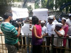 How AAP, Congress are milking the FTII issue but not really helping students