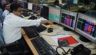 बजट के अगले दिन बाजार हुए धड़ाम, सेंसेक्स में 300 अंकों की गिरावट