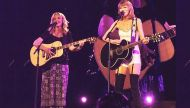 August 25, 2015: When Smelly Cat(s) Taylor Swift-Lisa Kudrow enthralled Los Angeles
