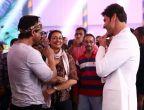 Jab They Met - Shah Rukh Khan drops in to meet Mahesh Babu on sets of Brahmotsavam
