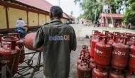 पेट्रोल-डीजल के बाद अब घरेलू गैस में लगी महंगाई की आग, हुआ इतने रुपए महंगा