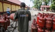 LPG Cylinder Price: गैस सिलेंडर इस्तेमाल करने वालों के लिए बड़ी खबर, 32 रुपये तक महंगा हो गया LPG