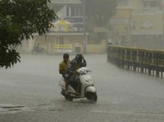 Depression crosses coast near Puducherry says IMD, heavy rains likely
