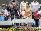 Chhattisgarh: CM Raman Singh's selfie with Kareena Kapoor draws Congress' flak