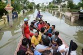 Chennai floods aftermanth: Long queues at ATMs, petrol pumps