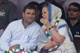 सोनिया-राहुल ने 'लोकतंत्र बचाओ मार्च' से रोकने पर दी गिरफ्तारी