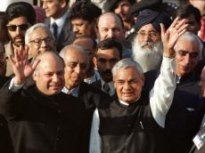 Modi's Lahore visit on Vajpayee's b'day is a tribute to the former PM's foreign policy