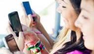 बच्चे स्मार्टफोन और टचस्क्रीन की वजह से नहीं कर पा रहे हैं पेंसिल का इस्तेमाल