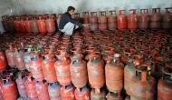 LPG Cylinder Price : पेट्रोल- डीजल के बाद अब रसोई गैस की कीमतें आसमान पर, जानिए कितने बढे दाम