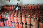 भाजपा पर गैस सिलेंडर के बहाने चुनावी राजनीति करने का आरोप