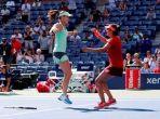 Sania Mirza-Martina Hingis storm into Australian Open semifinal