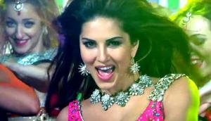 Sunny Leone to have a sizzling hot number in Sanjay Dutt's Bhoomi