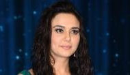 Preity Zinta rings her 43rd b'day with Salman, Sonakshi