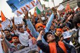 'मेरा बेटा राष्ट्रविरोधी नहीं, हिंदुत्ववादी राजनीति का शिकार हुआ'