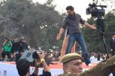 शाहरुख खान के विरोध में एबीवीपी का प्रदर्शन