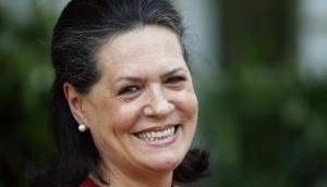 Sonia Gandhi greets nation on Hindi Diwas
