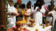 उज्जैन कुंभ शाही स्नान: किन्नरों का दावा, संतों में हड़कंप