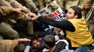 हैदराबाद युनिवर्सिटी पहुंचे कन्हैया, पुलिस ने किया 25 छात्रों को गिरफ्तार