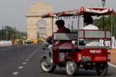 कोर्ट: दिल्ली सरकार बनाये ई-रिक्शा के लिए वैध रिचार्ज स्टेशन