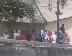 बनारस जेल में बलवा कैदियों नहीं, जेल प्रशासन की आपसी गुटबाजी का नतीजा है