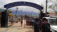 जम्मू-कश्मीर पुलिस: आखिर किसके लिए लड़ रहे हैं हम?