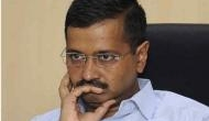 केजरीवाल को EC का बड़ा झटका, ख़तरे में पड़ सकती है दिल्ली सरकार
