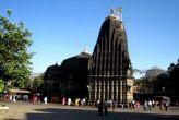 नासिक में त्र्यंबकेश्वर मंदिर के गर्भगृह में महिलाओं को मिला प्रवेश