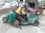 नोएडा: स्कूल बसों की चपेट में ऑटो, दो की मौत