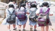 आठवीं की किताब में चैप्टर, स्कूल में पढ़ने वाली लड़कियां लड़कों से रहें दूर