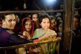 हाजी अली से तृप्ति देसाई ने महिलाओं के प्रवेश की मांगी दुआ