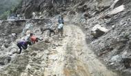 हाईवे पर चट्टान गिरने से बदरीनाथ यात्रा रुकी
