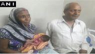 यूपी के गोररखपुर में 67 साल की अध्यावती देवी बनीं मां