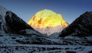कैलाश मानसरोवर यात्रा पर गए सैकड़ों तीर्थयात्री नेपाल-तिब्बत सीमा पर फंसे