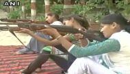 वीडियो: अब वाराणसी में वीएचपी की महिलाओं को हथियार चलाने की ट्रेनिंग
