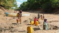 अफ्रीका: पानी के लिए रेप तक का जोखिम उठाती हैं महिलाएं