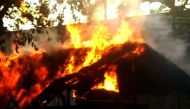 मथुरा में पुलिस और प्रदर्शनकारियों के बीच हिंसक झड़प, एसओ की मौत