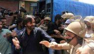 श्रीनगर: अलगाववादी नेता यासीन मलिक ने पुलिस को मारा थप्पड़
