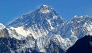 क्यों पैसे और जान जोखिम में डालकर लोग करते हैं माउंट एवरेस्ट की चढ़ाई?