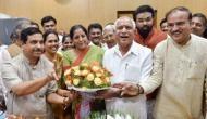 कर्नाटक:  BJP को मिला सरकार बनाने का न्योता, येदियुरप्पा कल सुबह लेंगे CM पद की शपथ!