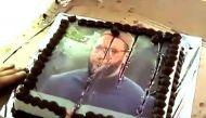 राज ठाकरे ने जन्मदिन पर काटा ओवैसी का केक