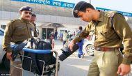 दिल्ली: बैग पर बम लिखा होने पर कश्मीरी लड़की से पूछताछ