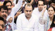 दिल्ली: सीएम केजरीवाल के घर के बाहर बीजेपी सांसद महेश गिरी का अनशन