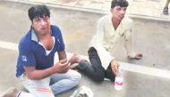 हरियाणा में गौ रक्षकों की गुंडागर्दी, बीफ तस्करों को खिलाया गोबर