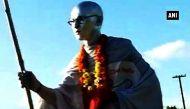 वीडियो: गांधी के भेष में स्वच्छ भारत अभियान पर निकला साईराम