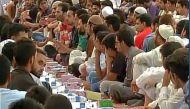 श्रीनगर: कश्मीर की सबसे बड़ी इफ्तार पार्टी, 3000 लोगों ने एक साथ खोला रोजा
