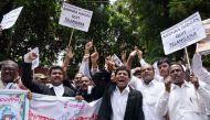 तेलंगाना: जजों के बाद अदालतों के 8000 कर्मचारी हड़ताल पर, कामकाज ठप